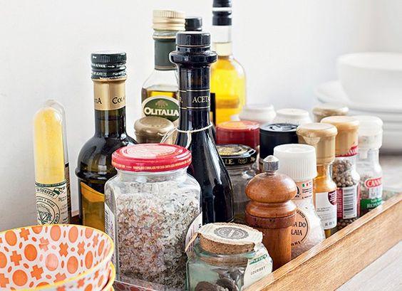 Cozinha... 10 ideias simples e econômicas pra deixar tudo organizado