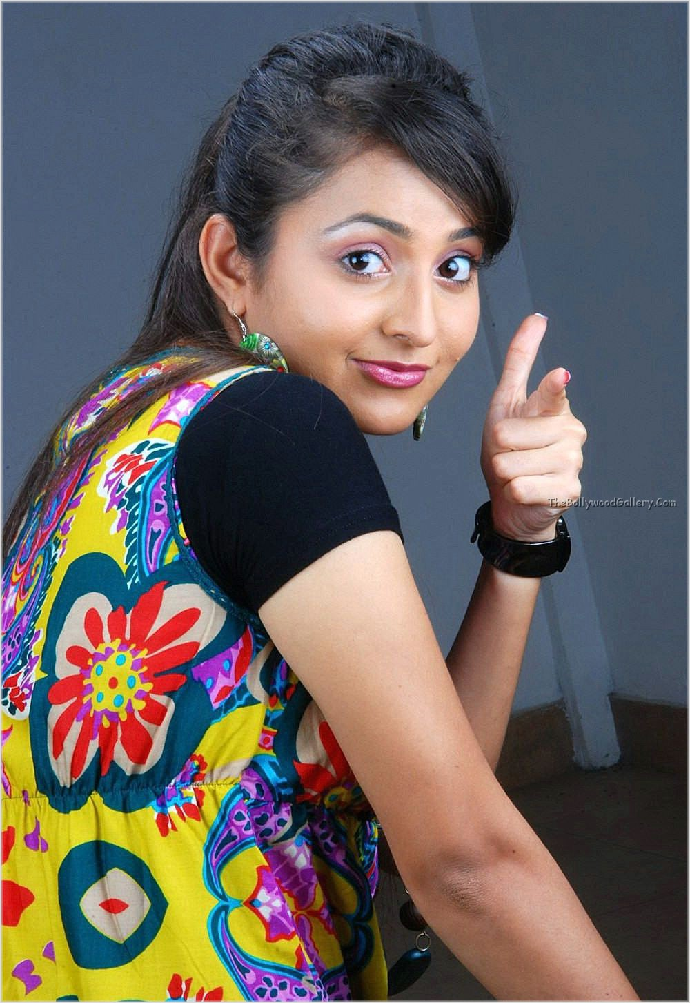 Actress Bhama Hot Latest Photo Shoot - Eueelasfashionistas-8429
