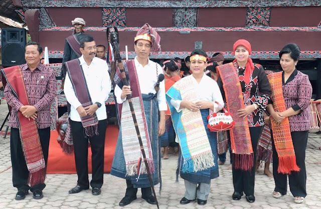 Inilah 4 Bukti Kedekatan Jokowi dengan Orang Batak