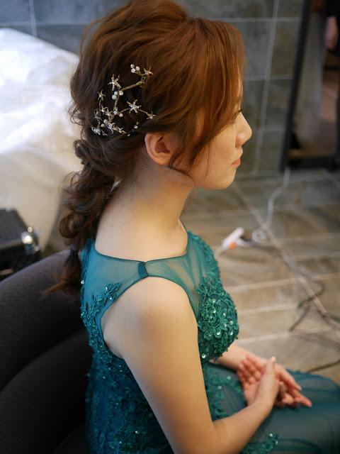 台北新秘推薦 | 台北新娘秘書 | 新秘TsaiSummer | 新娘造型2018 | 敬酒造型2018 | 新娘日系髮型 | 日系編髮 | 氣質髮型 | 深藍綠禮服造型