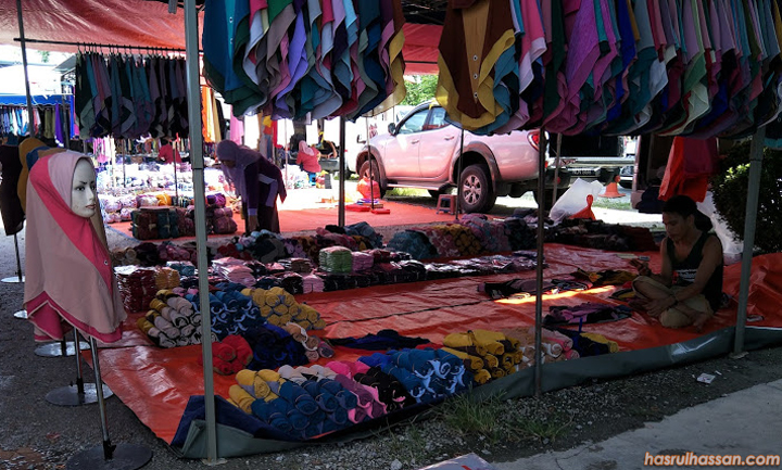 Tudung jual borong di Pasar Kemboja