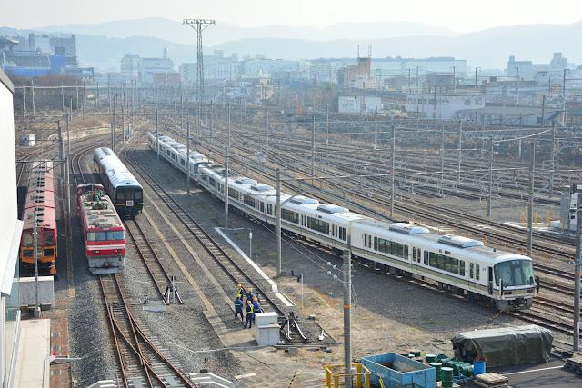 EH800 京都鉄道博物館への入線シーンを撮る