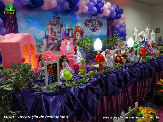 Decoração tema Princesa Sofia para festa de aniversário