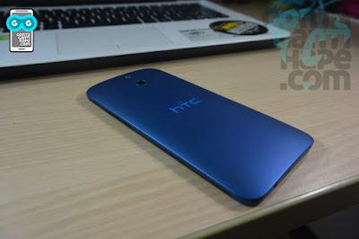 HTC One E8 - bagian belakang, keren!