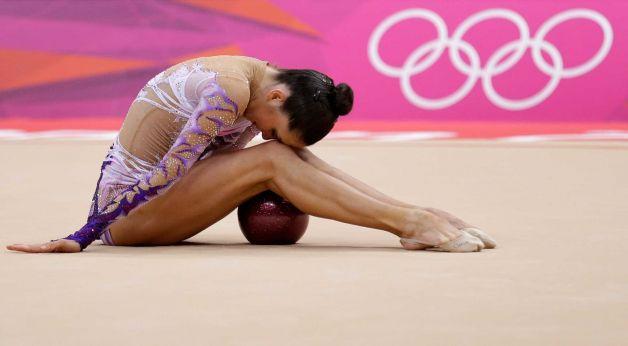 Nude artistic gymnastics mistake can