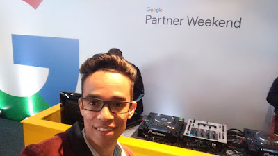 Primeiro dia do Google Partner Weekend - Djs no Happy Hour