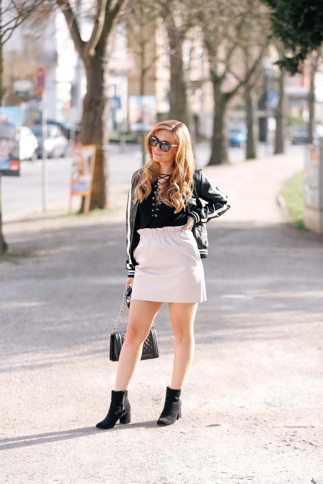Fashionstylebyjohanna-blogger-aus-deutschland-zara-rock-boots-chanel-tasche
