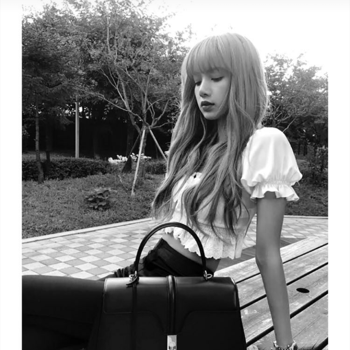 181205 Celine Instagram Story Updated With Lisa - Lisa Blackpink