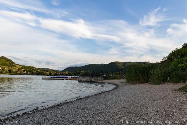 Photo lac de Paladru, Plage et pédalo