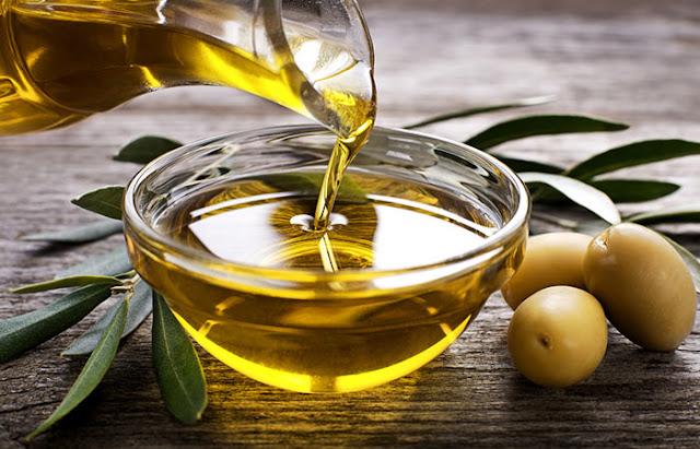 6 khasiat dan manfaat minyak zaitun untuk rambut
