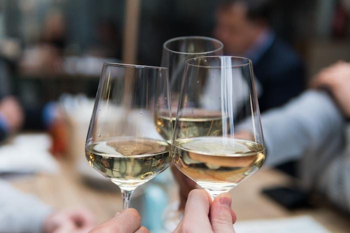10 alimentos que no caducan y nunca deben faltar en tu despensa: bebidas alcohólicas