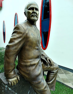 Estátua de Meneghetti, no Recanto Maestro, Restinga Seca (RS)