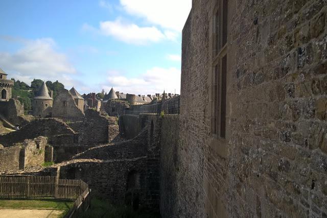Castello di Fougeres più grande in europa