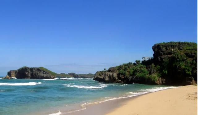 gambar dari pantai pasir putih di Jogja Sundak
