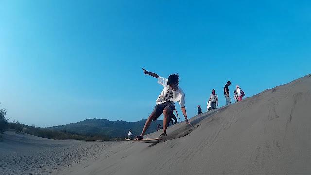 Surga Wisata Tersembunyi Jogja Yang Keren, Snowboarding Pantai Parangkusumo