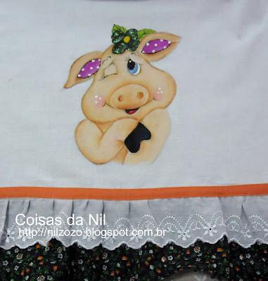 porquinha charmosa pintada em pano de copa