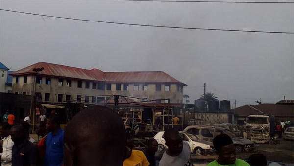3 dead, 2 houses, 2 filling stations & 14 cars burnt as tanker explodes in Port Harcourt (graphic)