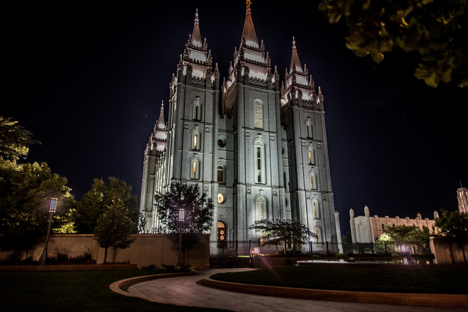 Mormonit Moniavioisuus