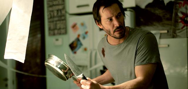Evan Webber este un arhitect de succes în noul trailer pentru Knock Knock
