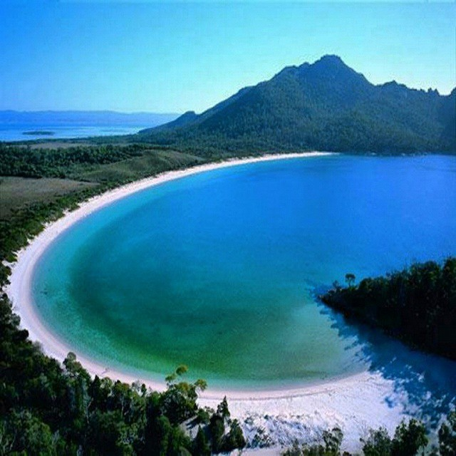 pantai selong belanak Pantai Selong Belanak Lombok, Wisata Bahari Eksotis yang Masih Asri