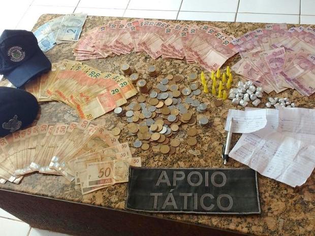 Guarda Civil localiza drogas e R$ 3,8 mil em antiga comunidade de Santa Bárbara