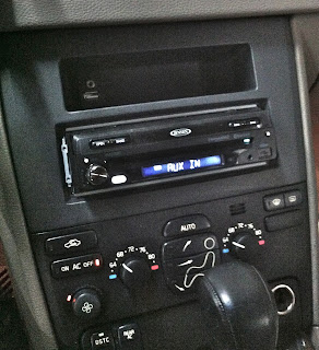 Aftermarket Stereo Install In Volvo XC90