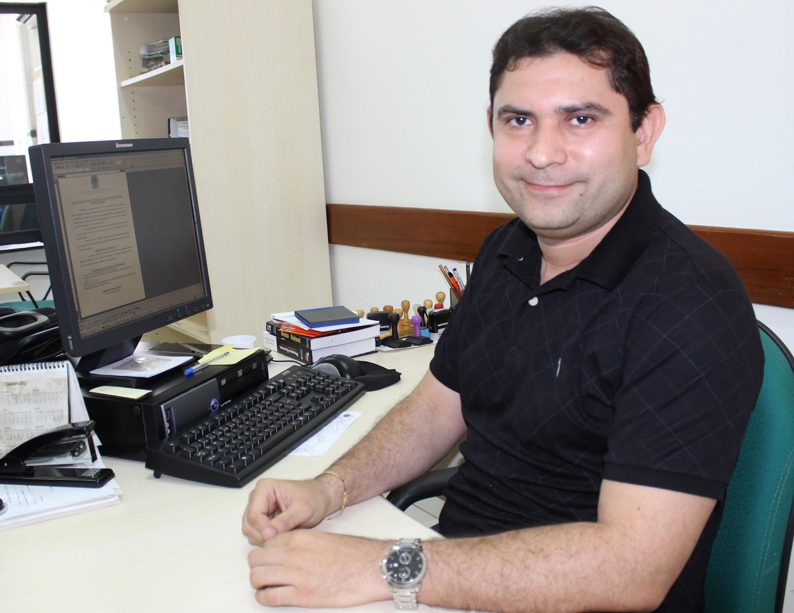 Resultado de imagem para o chefe do Cartório Eleitoral da 32ª Zona , Rodrigo Nunes