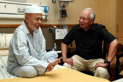 http://4.bp.blogspot.com/-8HEbB-83N8I/Vf2kTKtGLHI/AAAAAAAAeQI/OcDMP3iBL-A/s1600/Najib_Haron_Din_IJN.jpg