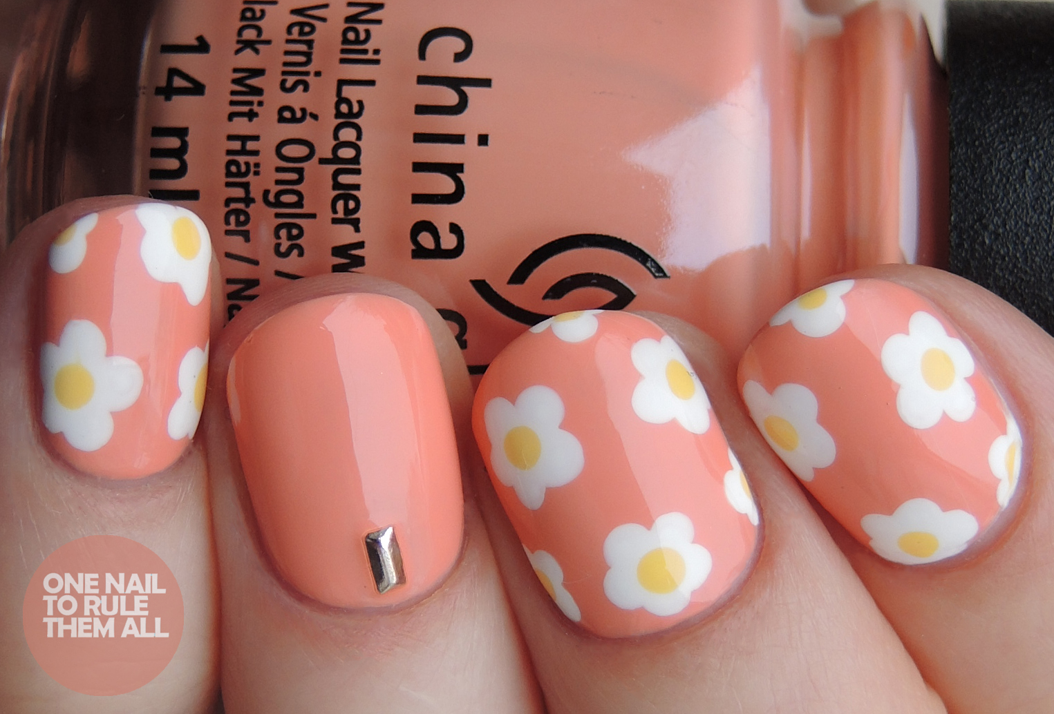 Peach Daisies | One Nail To Rule Them All | Bloglovin\'