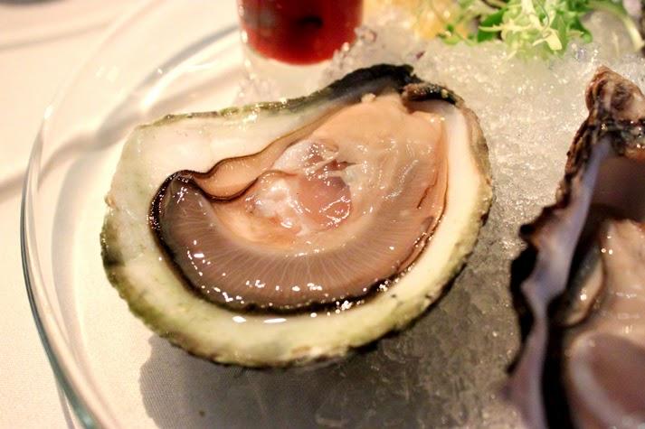 瞳.年.夢: 【博客活動】Ambrosia Oyster Bar & Grill:不一樣的「蠔」情