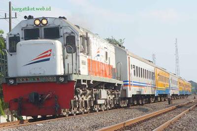 Rute KA Lokal Cikampek dan Lokal Purwakarta Dialihkan ke Stasiun Tanjung Priuk