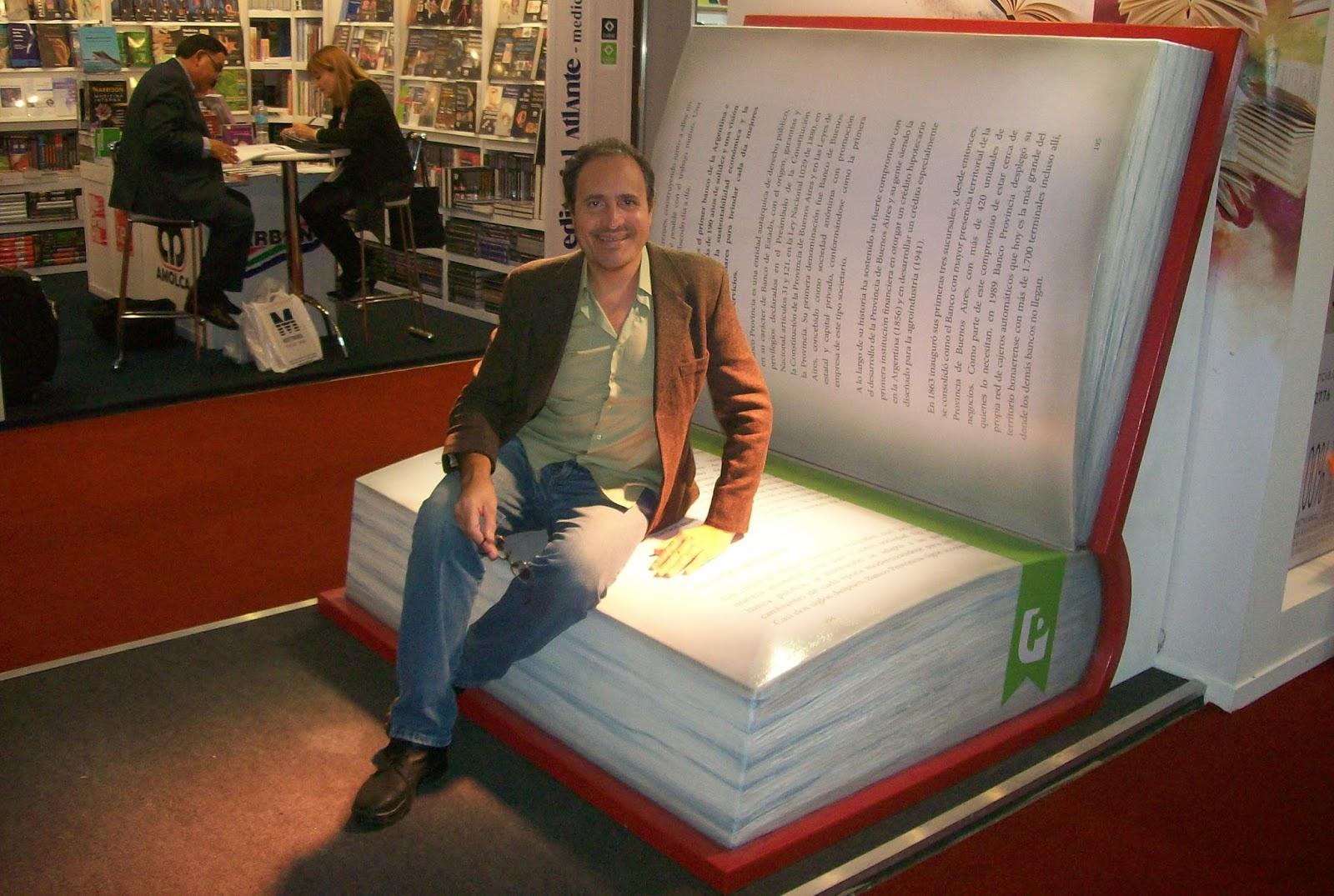 Silvio Adrian Frutos 43 Feria Internacional Del Libro De Buenos  # Muebles Jozami Paran? Entre R?os