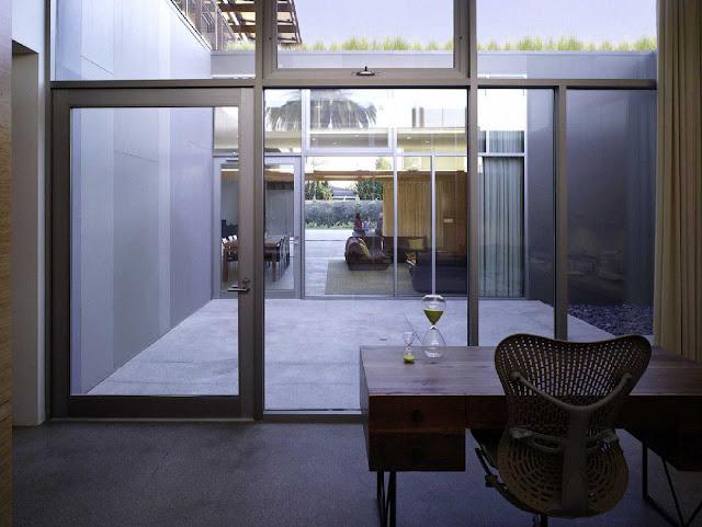 10 Yin-Yang House by Brooks + Scarpa Architects