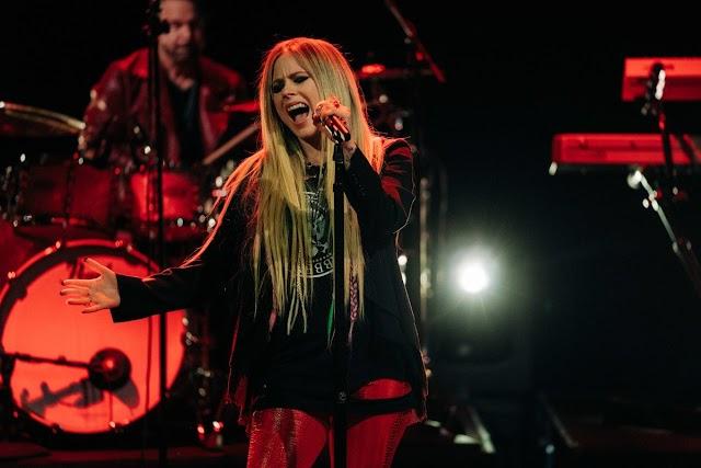 Avril Lavigne habla sobre producir canciones con Consequence of Sound