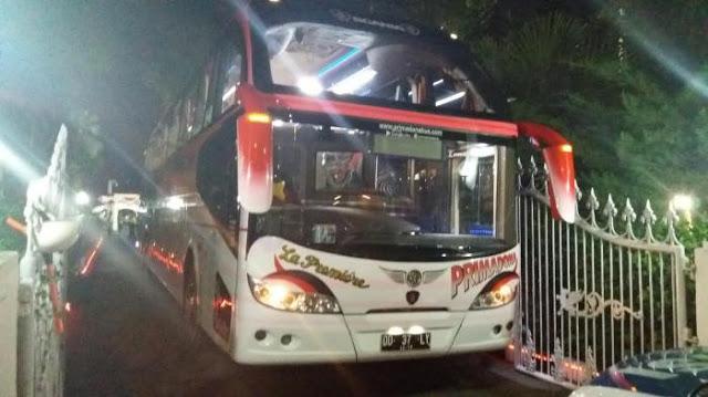 Ibu Jokowi Naik Bus 3 Miliar dan Nginap di Hotel 15 Juta Per Malam, Penghematan?
