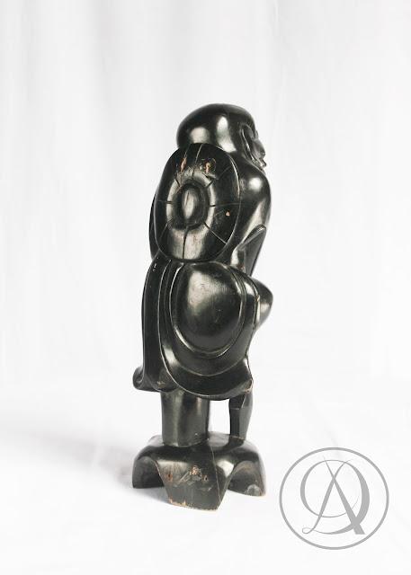 Divka Antik menjual barang antik, unik, kuno, langka, dan barang seni seperti Patung Cina