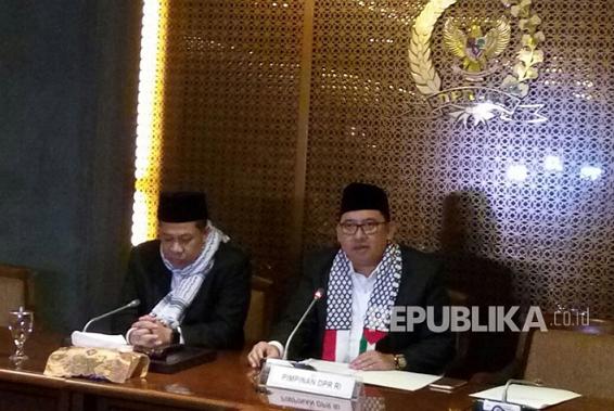 Fadli Zon Ditunjuk Jadi Plt Ketua DPR Gantikan Setya Novanto