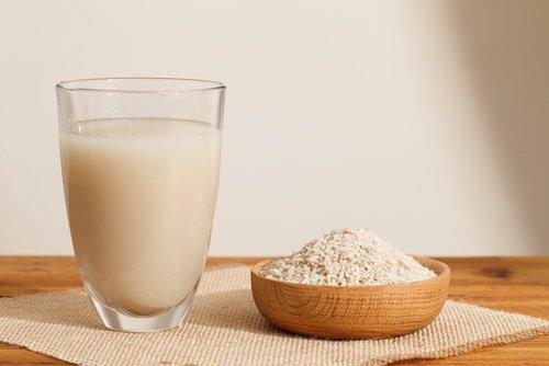 Comment préparer l'eau de riz?