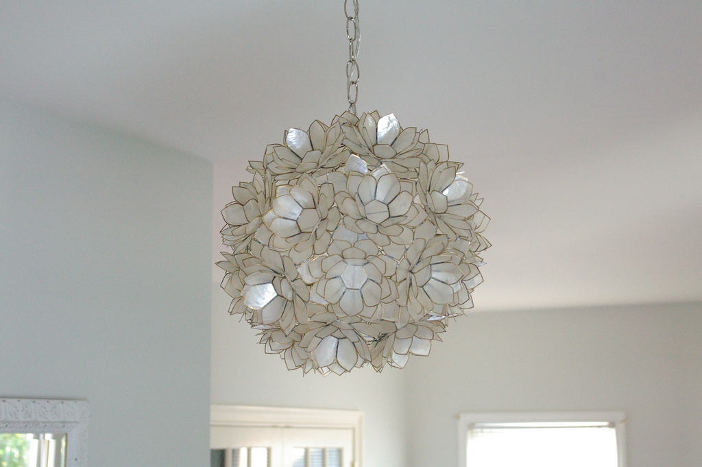 Worlds Away Capiz Shell Fl Venus Pendant Clear Lighting Source Modern Interior Design Chandelier White Smoke