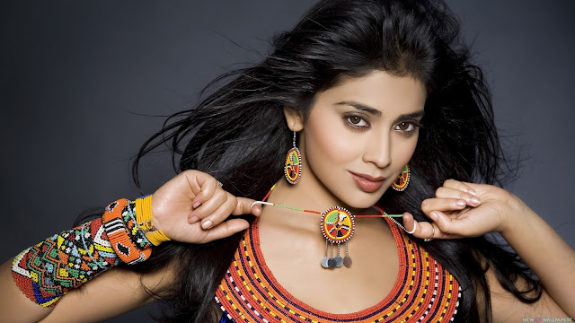 shriya saran south indian actress hd wallpaper 002,Shriya Saran HD Wallpaper