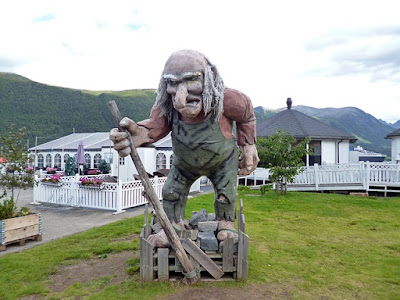 Old Troll Statue