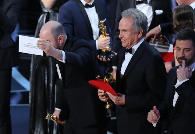 Oscars' Massive Mix-Up: 'Moonlight' Wins Best Picture Oscar Over 'La La Land'