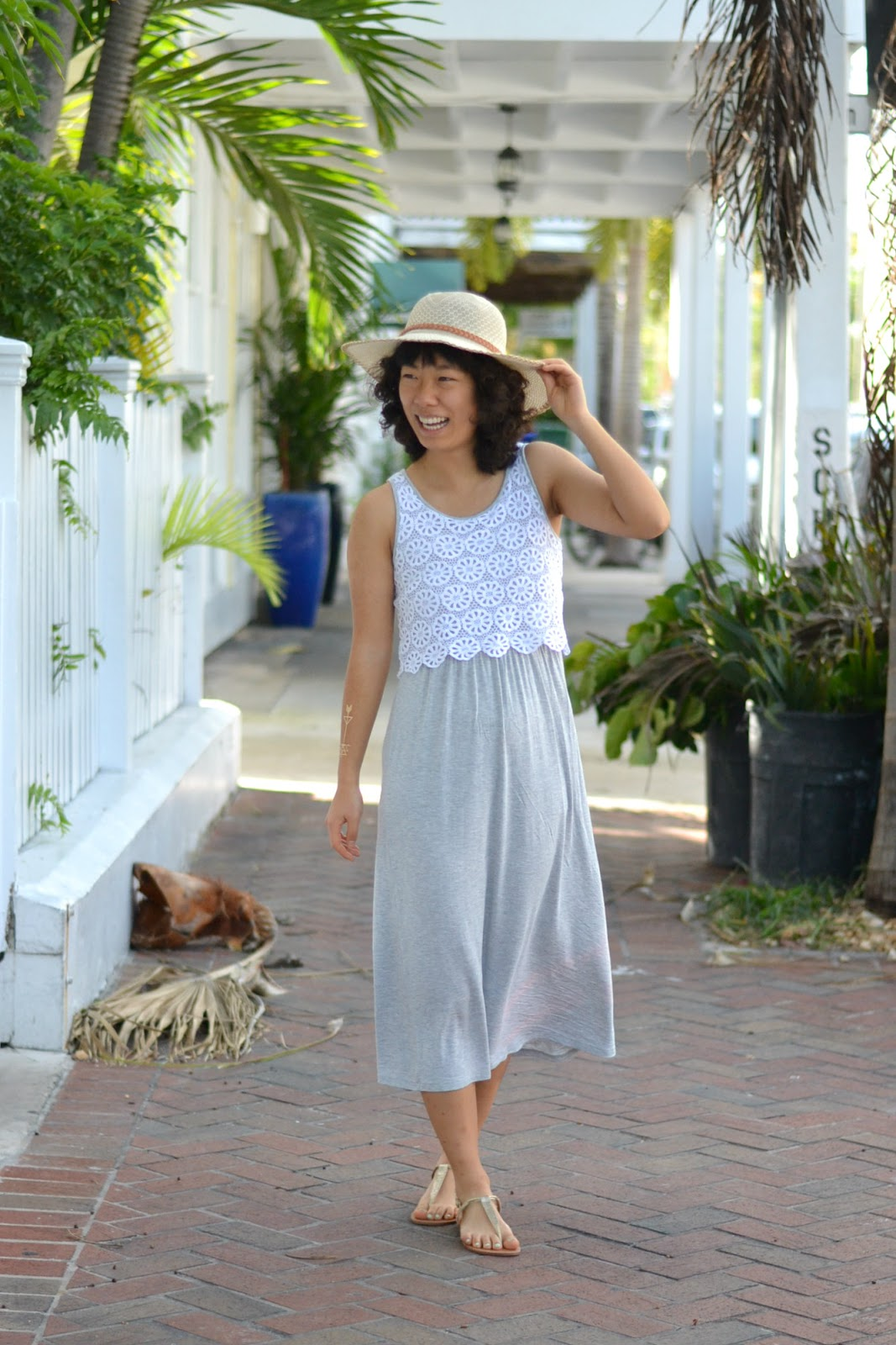 summer outfit sun hat maxi dress