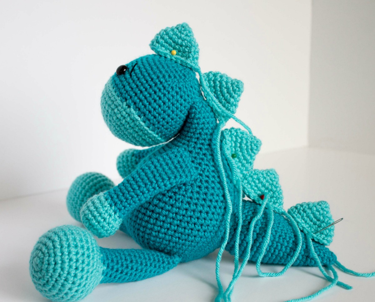 Amigurumi Dinosaur Free Pattern : Free crochet dinosaur pattern the friendly dino thefriendlyredfox.com