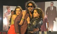 Romantic Stills from Tamil movie Jeyikkira Kuthira 003.jpg