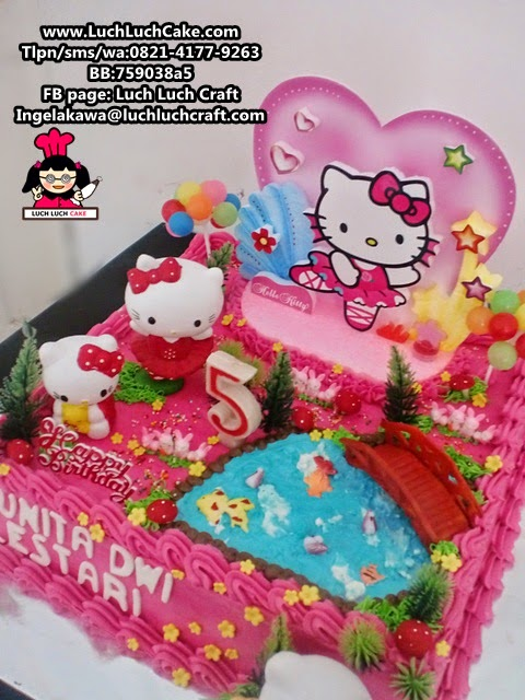 Luch Luch Cake Kue Tart Hello Kitty Buttercream Dengan