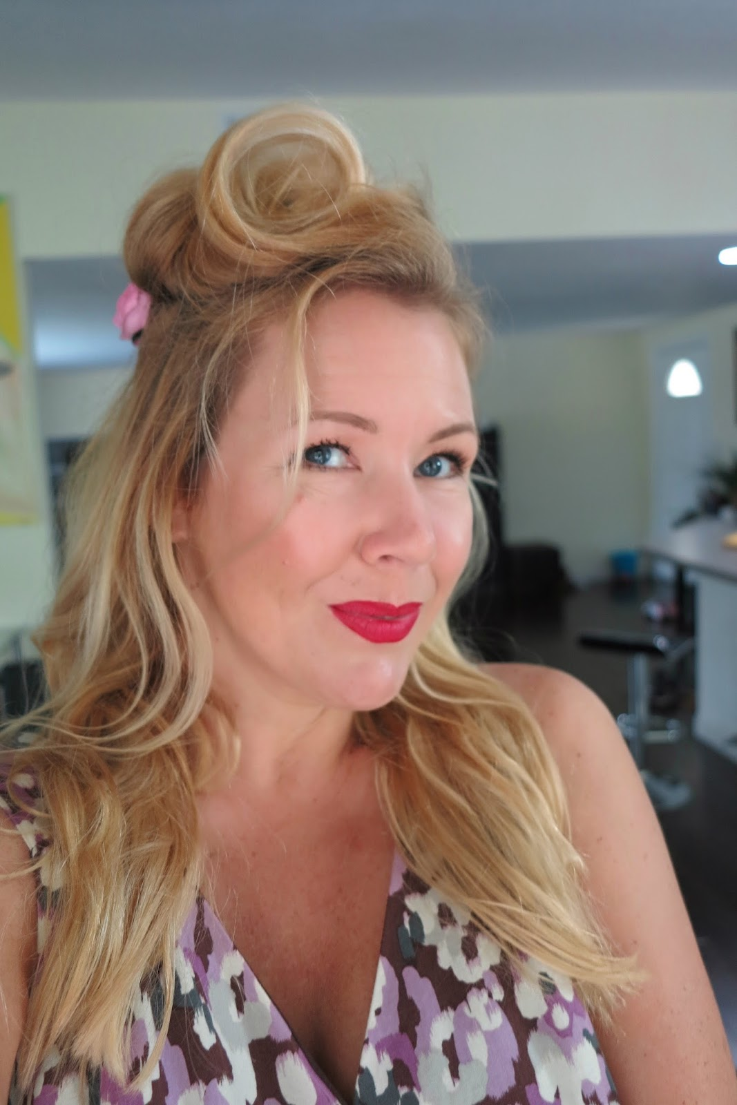 Victory rolls tutorial without hot tools and so today i have another pinup hair tutorial that includes some easy peasy made victory rolls that i created with a very simple trick baditri Gallery