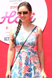 Bollywood and TV Show Celebs Playing Holi 2017   Zoom Holi 2017 Celetion 13 MARCH 2017 044.JPG