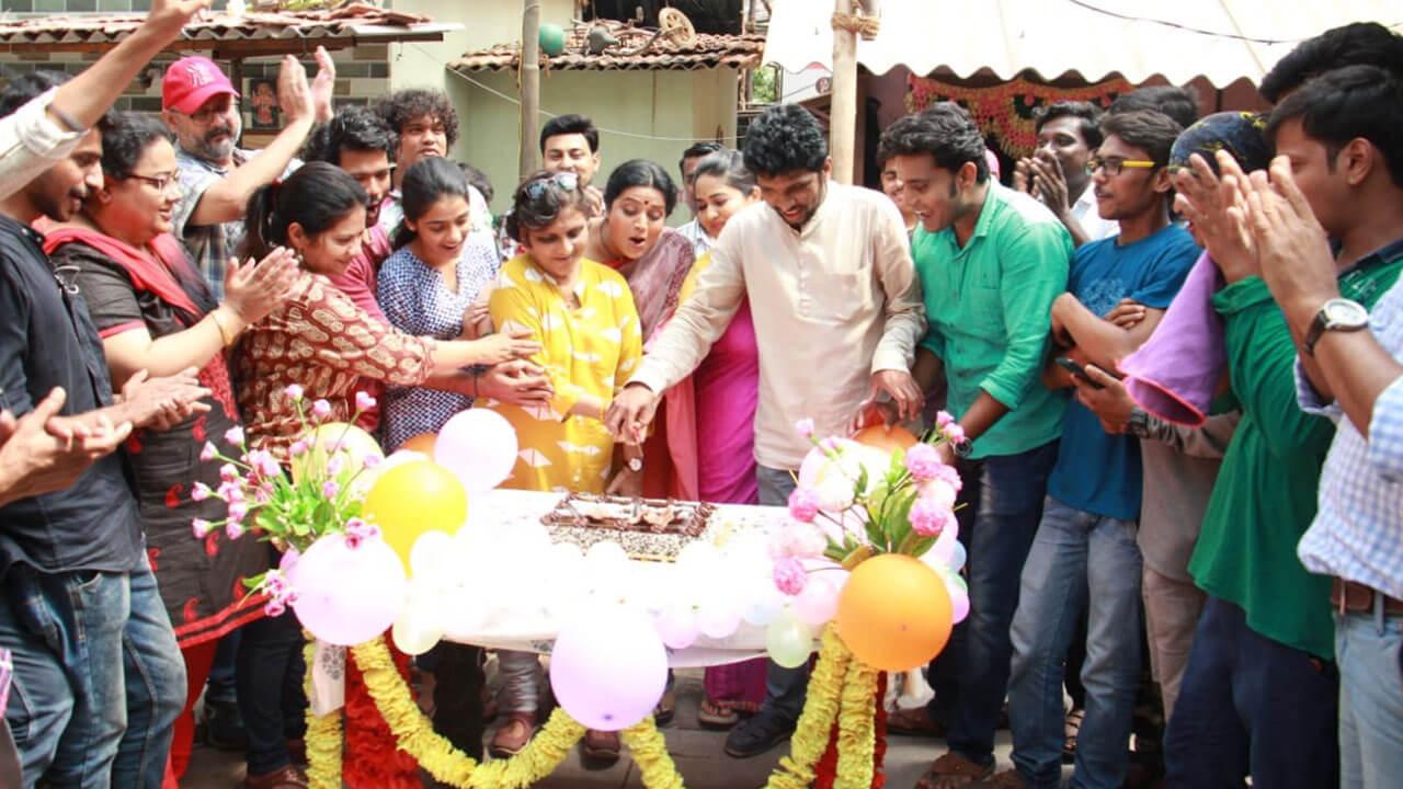 मोलकरीण बाईचे १०० भाग पूर्ण - मराठी टिव्ही | Molkarin Bai 100 Episode - Marathi TV