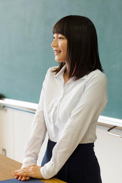 Riho Yoshioka 吉岡里帆 Sensei Shonichi Images 10